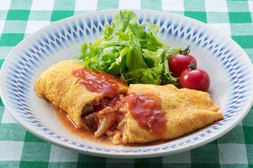 鶏肉のトマトチーズオムレツ