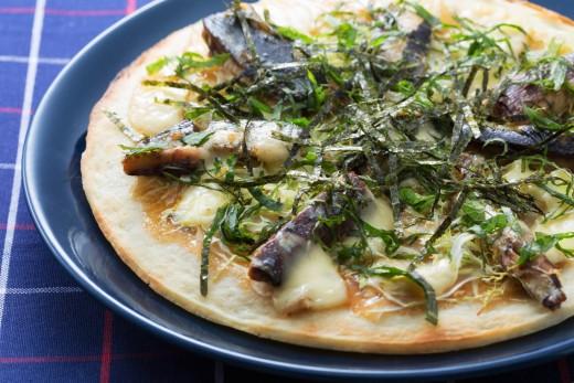 鰯の梅煮ピザ