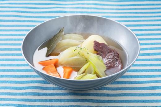 ビーフジャーキーとたっぷり野菜のポトフ_湯気
