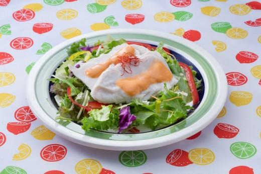 サラダチキンのコチュマヨソース