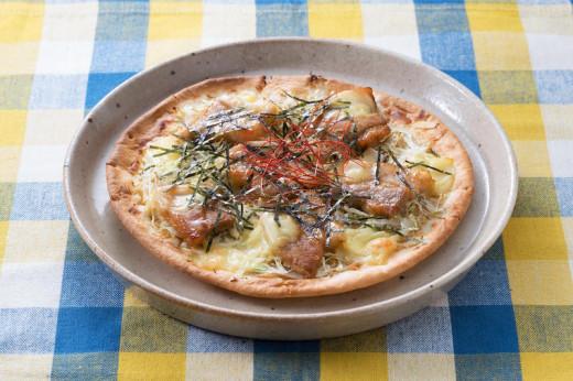 豚カルビとキャベツのピザ